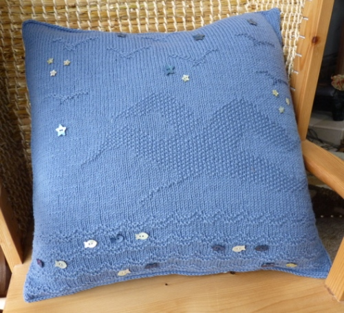 seaside cushions gull