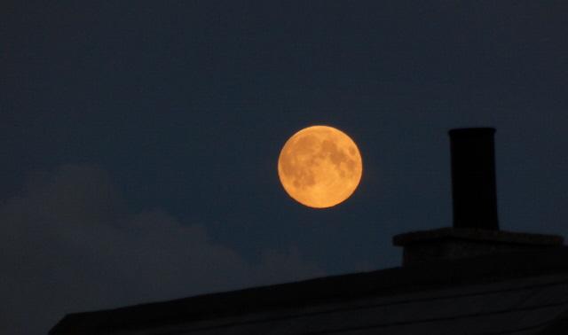 014. big moon