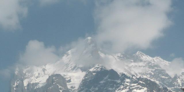 009 Wetterhorn peaks in cloud